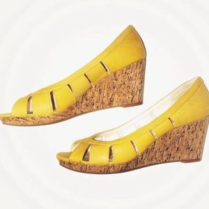 Nine West Peep Toe Wedges Yellow Womens 9
